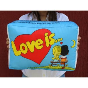 Подушка  Любовь это...