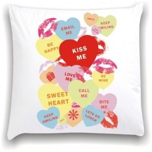 подушка Kiss me