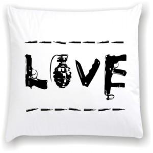 подушка Gun love